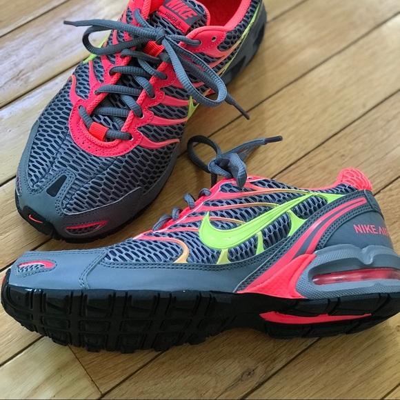 39d9a258183f7 Nike Air Max Torch 4 - Size 8 - LIKE BRAND NEW. M 5b0816483afbbd981f3fa2b4
